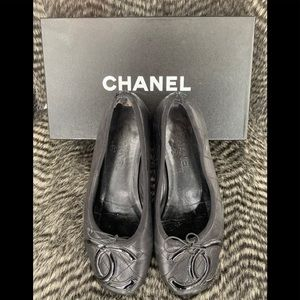 Authentic CHANEL CC Cambon ballet Flats Size 40 10
